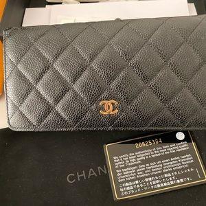 Chanel tri fold wallet caviar gold hardware
